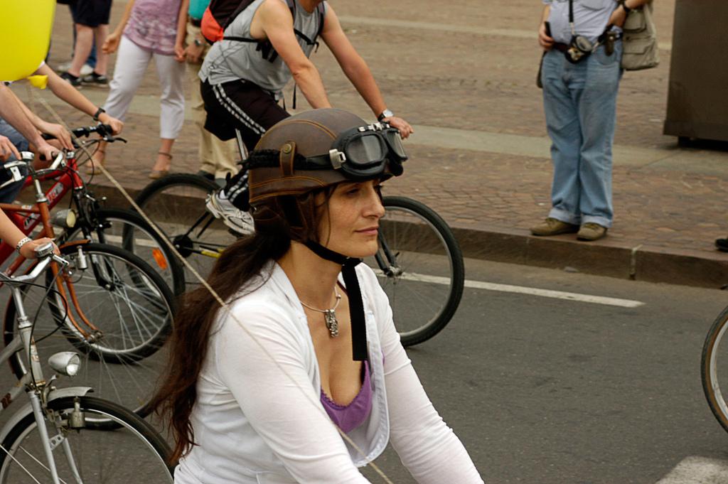Bike Pride 2012: 20 mila bici a Torinoper chiedere un cambio di rotta nella mobilità urbana