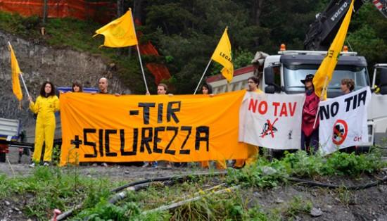 Piemonte, treni sotto attacco: tagliate 12 lineementre proseguono i lavori per il raddoppio autostradale del Frejus