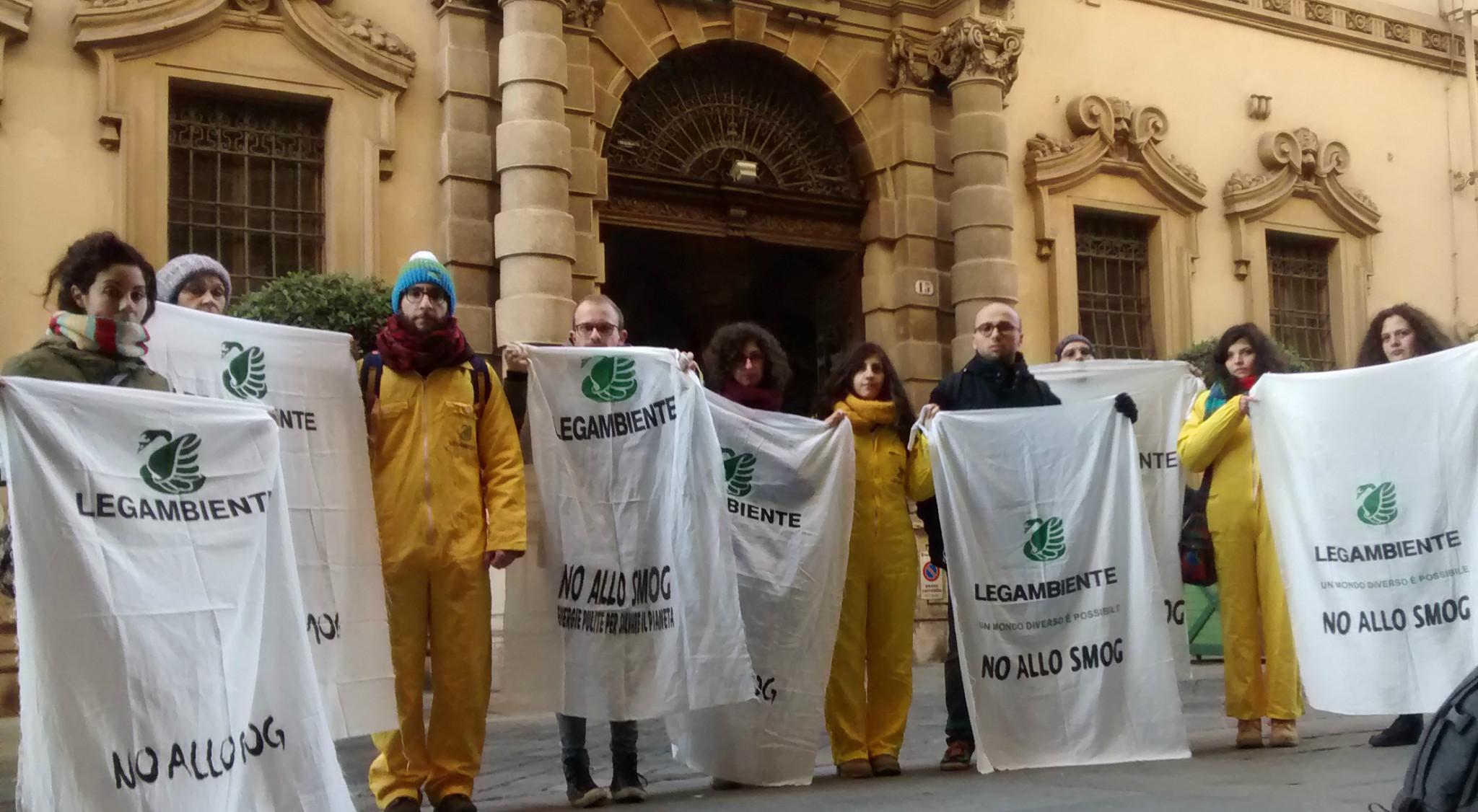 """Camera a gas Piemonte. Legambiente a Regione e Comuni: """"Servono nuove ed efficaci misure antismog"""""""