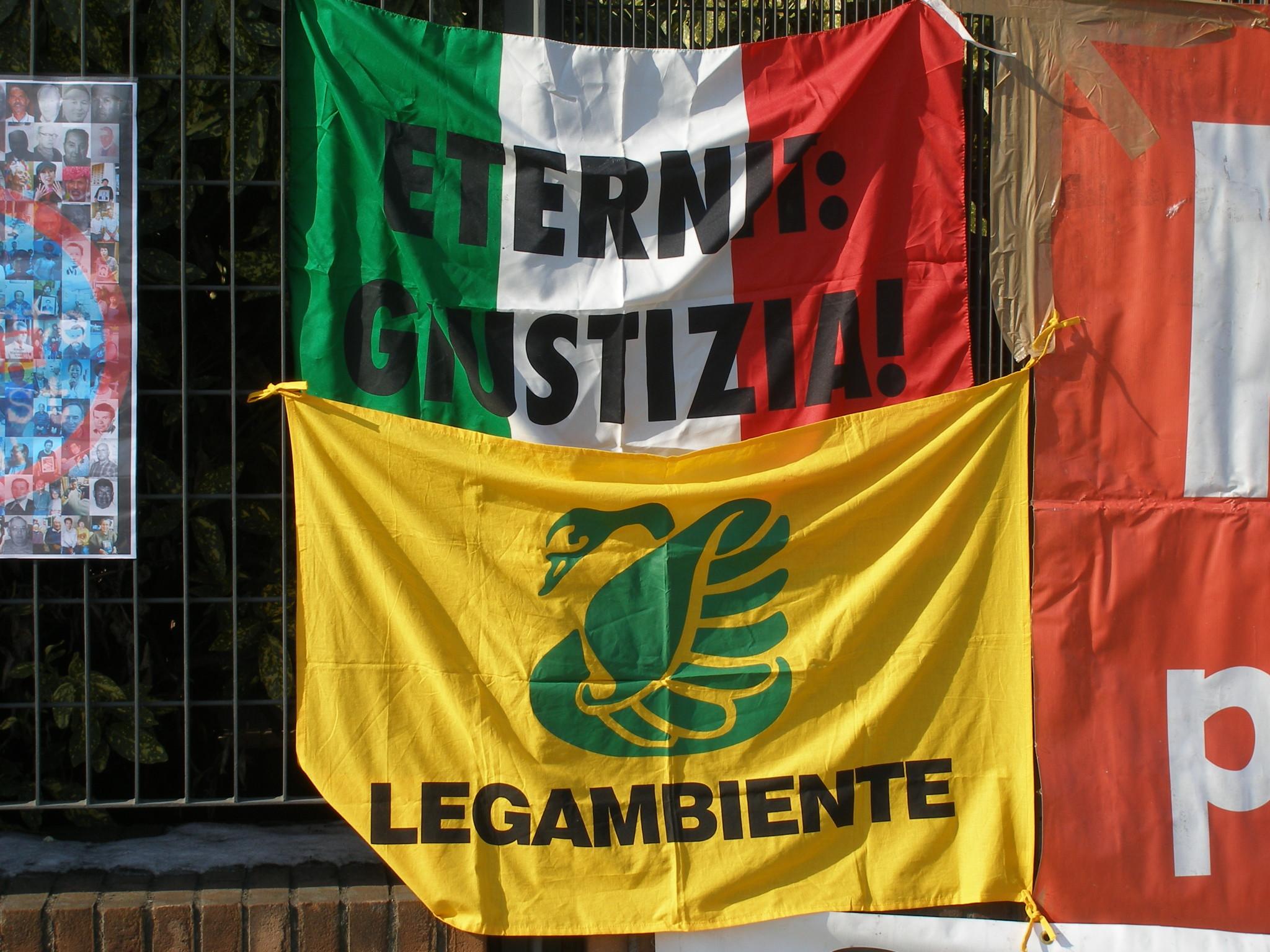 """Eternit Bis, Legambiente: """"Il processo restituisca giustizia alle vittime e alle loro famiglie"""""""