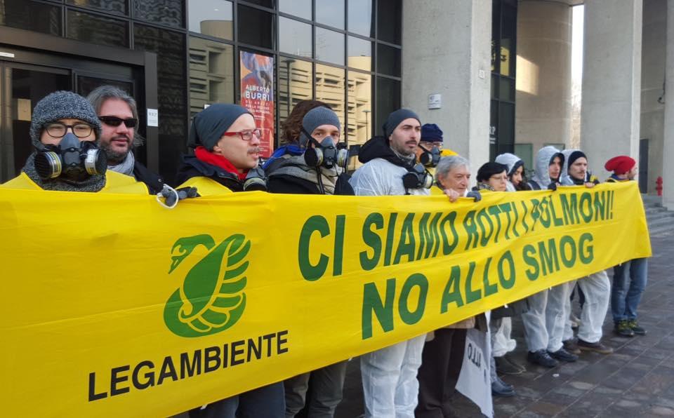 """Smog, Legambiente: """"Tempo scaduto: la Regione Piemonte approvi in tempi certi il Piano antismog"""""""