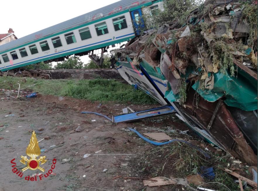 """Scontro tra treno e tir a Caluso, Legambiente: """"Grande dolore e rabbia per una tragedia evitabile"""""""