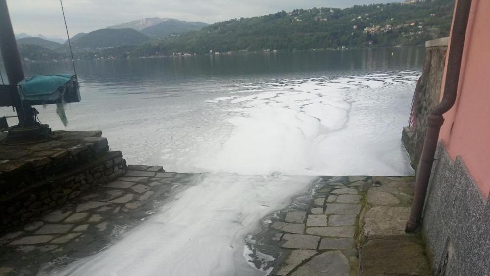 Sversamenti nel Lago d'Orta, Legambiente chiede l'applicazione della legge sugli ecoreati