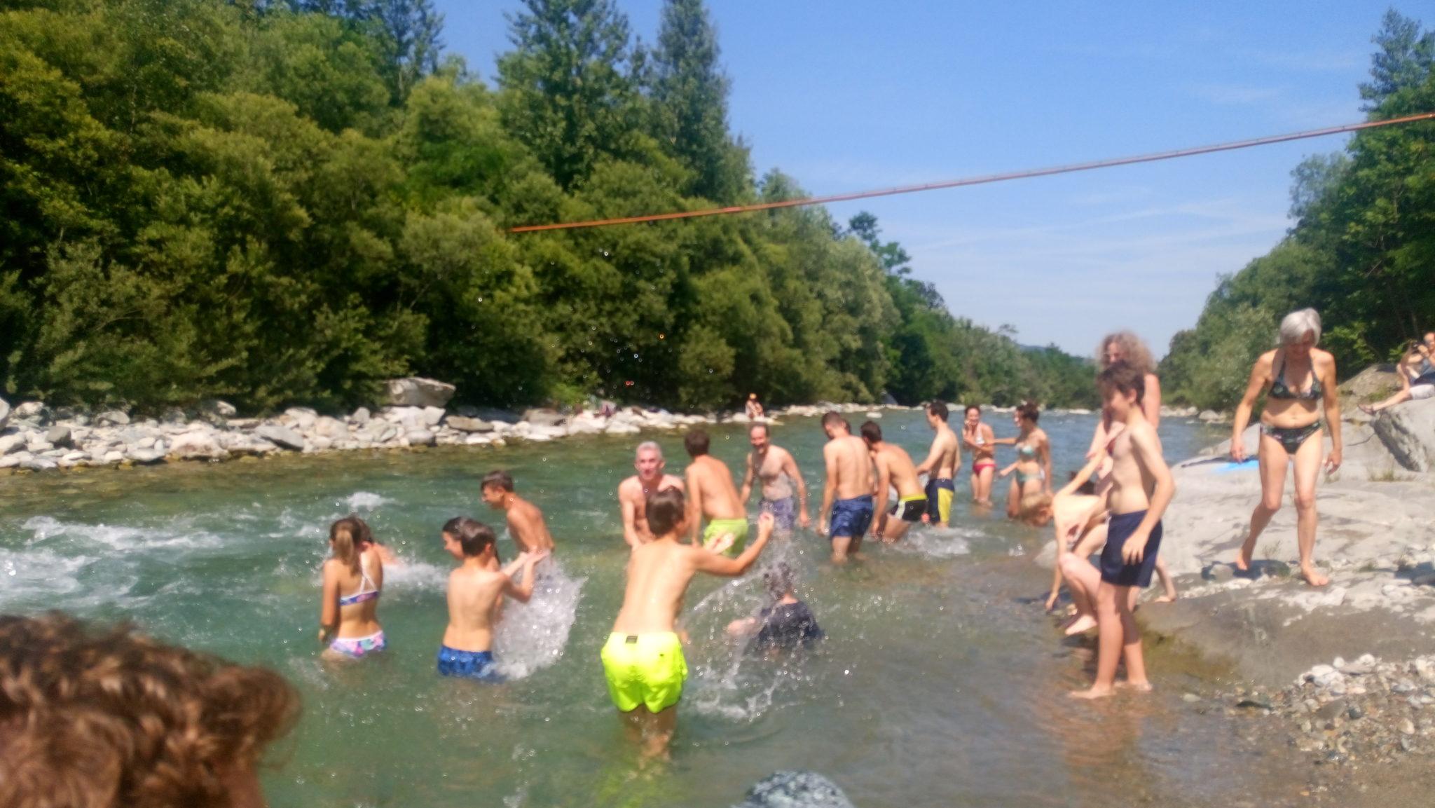 """Big Jump, il tuffo-denuncia di Legambiente per la balneabilità di fiumi e laghi: """"Un'opportunità economica e ricreativa che il territorio non può perdere"""""""